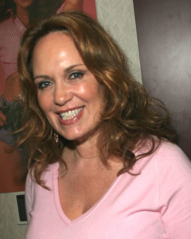Catherine_Bach