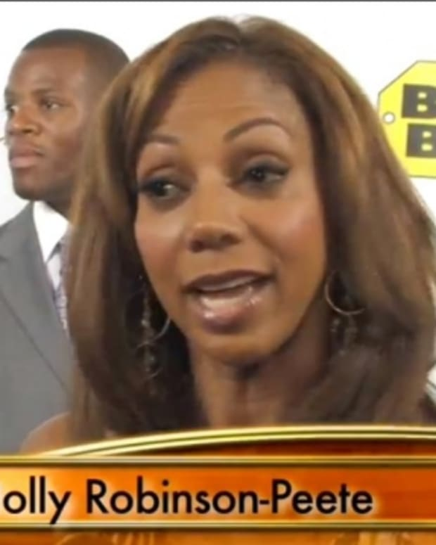 Holly_Robinson_Peete
