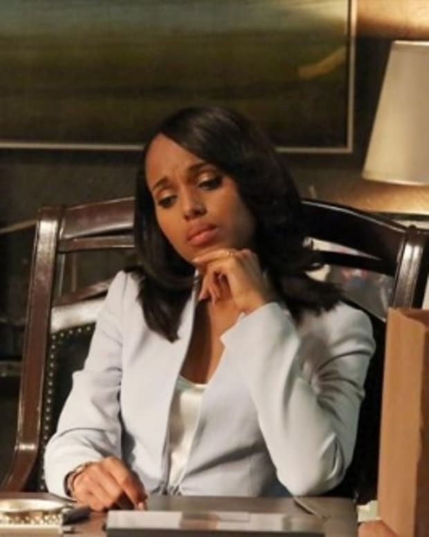 scandal-season-2-episode-22-white-hats-back-on-9