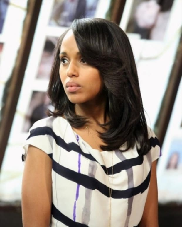Scandal-Season-2-Episode-18-Molly-You-in-Danger-Girl-01-550x825