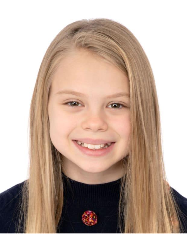 Scarlett Fernandez small