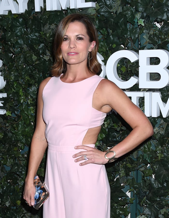 WATCH: Melissa Claire Egan Teases The Young and the ...