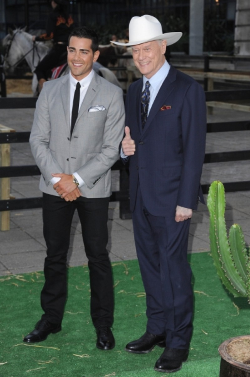 Jesse_Metcalfe_and_Larry_Hagman