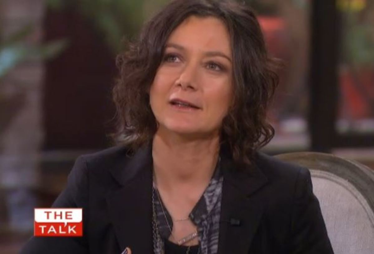 the talk u0026 39 s sara gilbert gives birth to a son  video