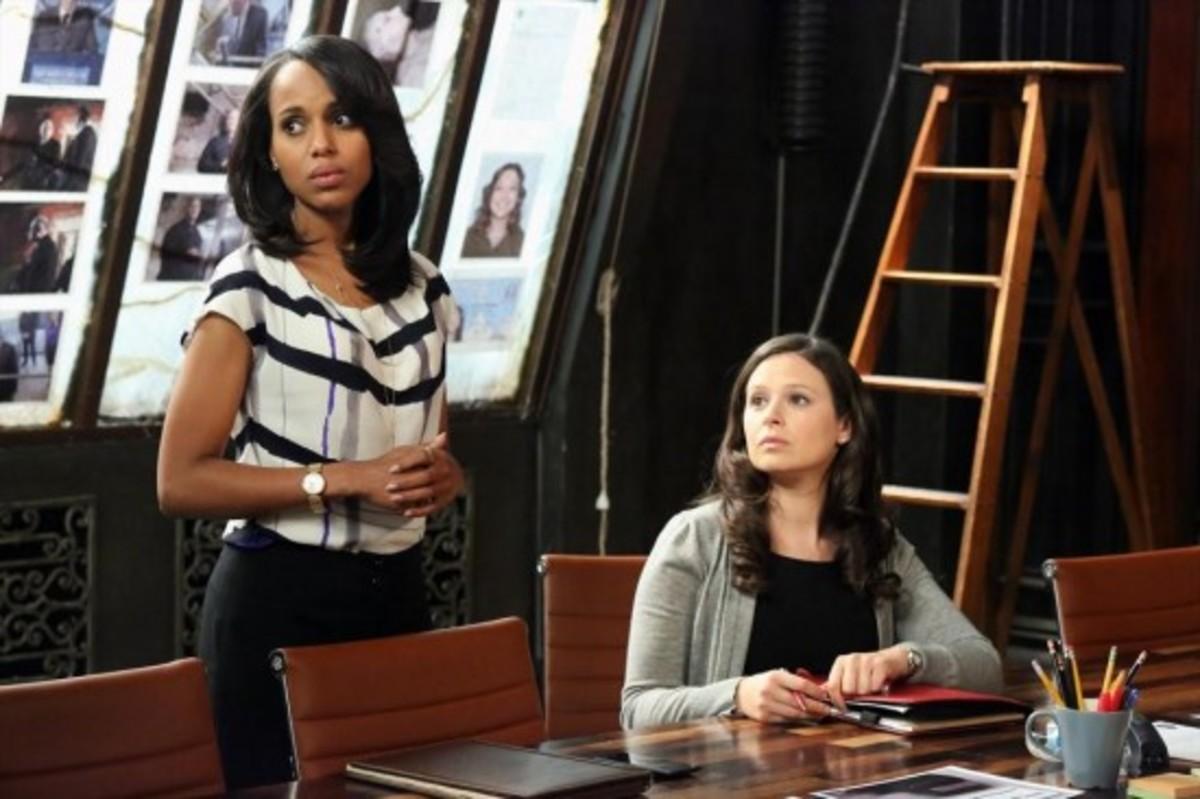 Scandal-Season-2-Episode-18-Molly-You-in-Danger-Girl-02-550x366