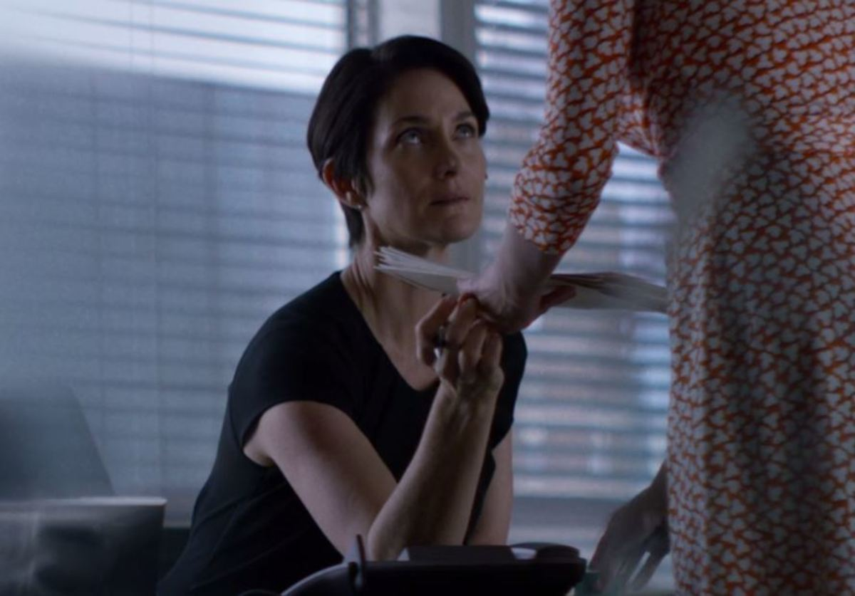 Susie Abromeit, Carrie-Anne Moss