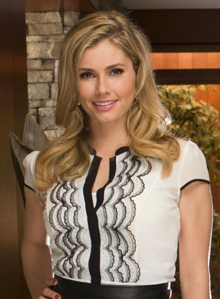 Brianna Brown, Devious Maids