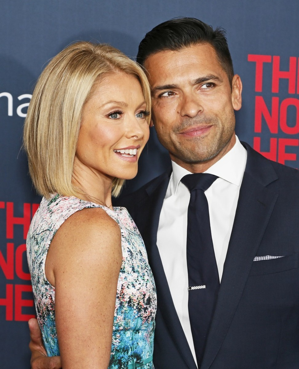 Kelly Ripa, Mark Conseulos