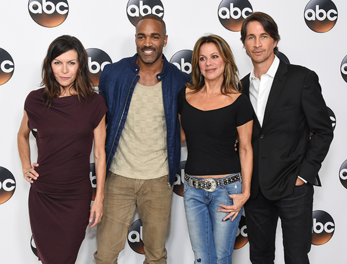 Finola Hughes, Donell Turner, Nancy Lee Grahn, Michael Easton