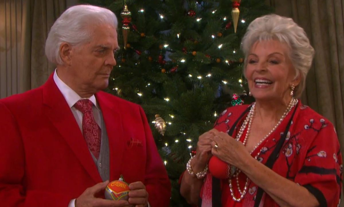 Horton Christmas tree trimming, Days of Our Lives